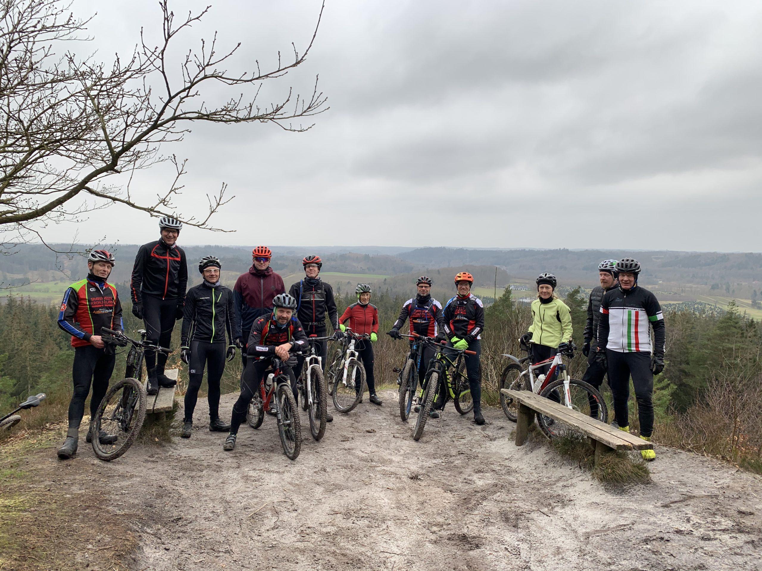 12 GaltenCK rykker på Mountainbike tur, med instruktør